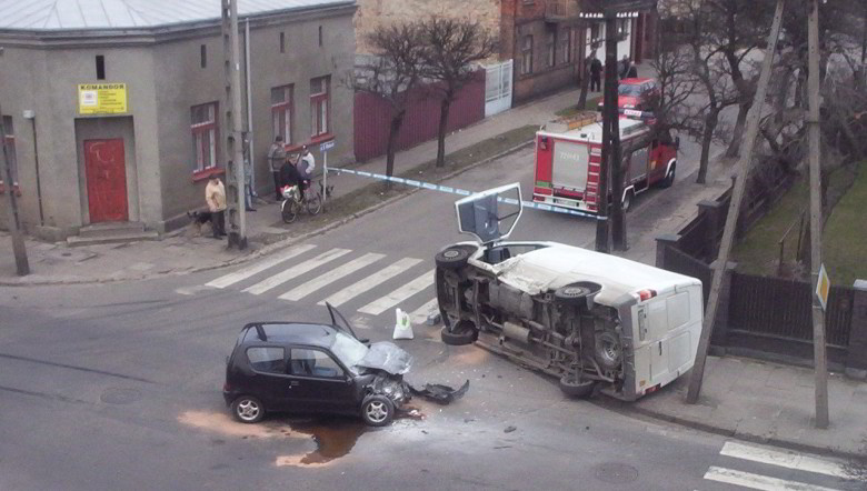 Car_accident_poland_2008